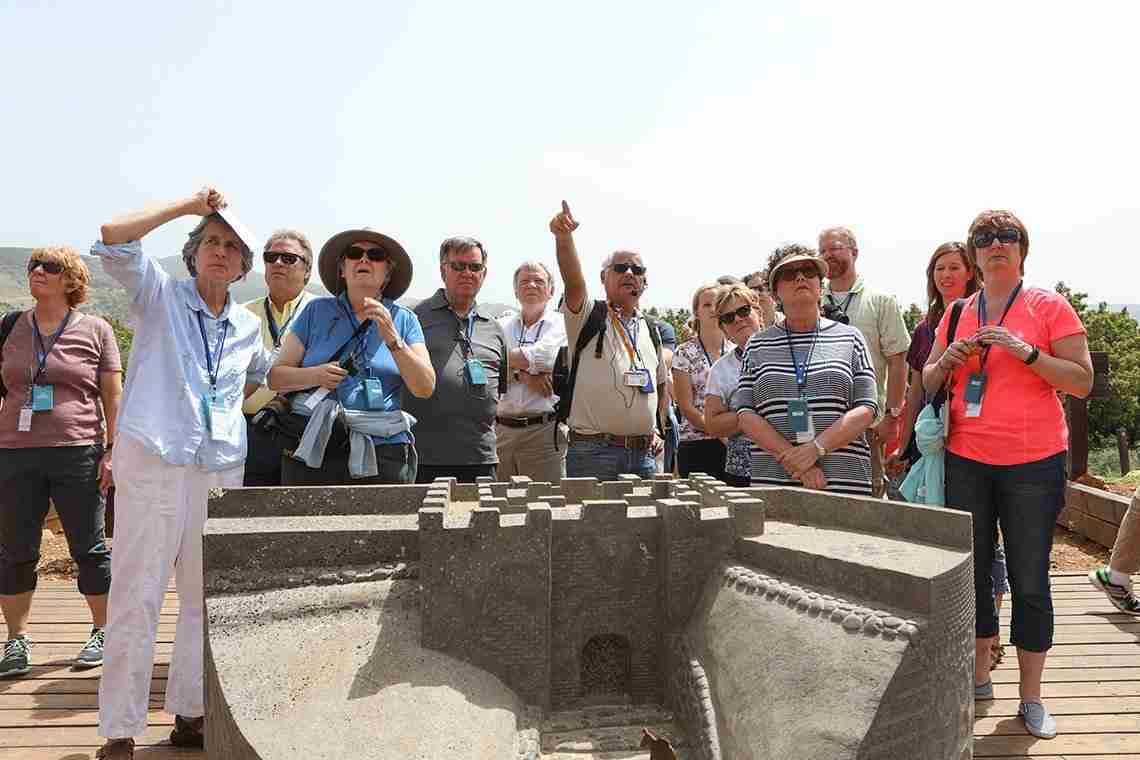 tourist impressed with art in israel