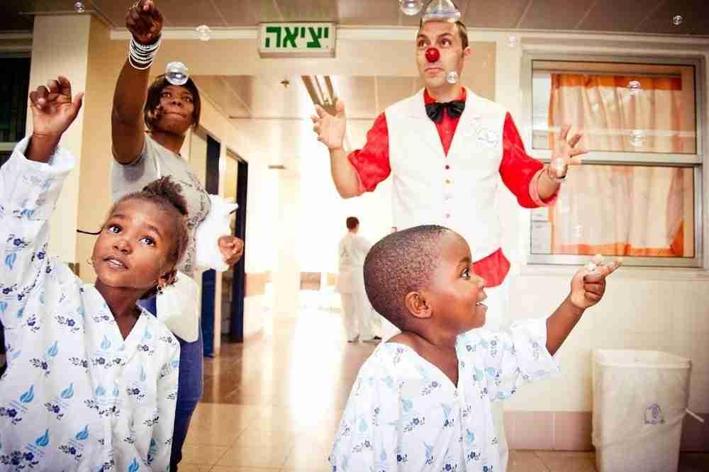 volunteering on family trip in israel