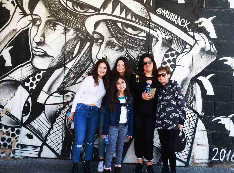 Family graffiti tour in tel aviv israel
